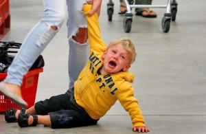 menangani anak autis yang tantrum